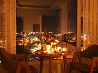 Bữa tối nhẹ nhàng ngắm toàn cảnh thành phố