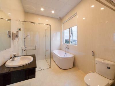 Phòng tắm phòng Suite